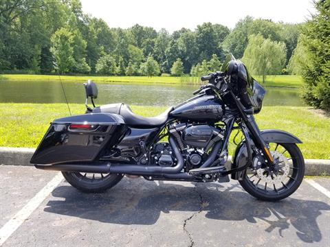 2018 Harley-Davidson Street Glide® Special in Sunbury, Ohio - Photo 20
