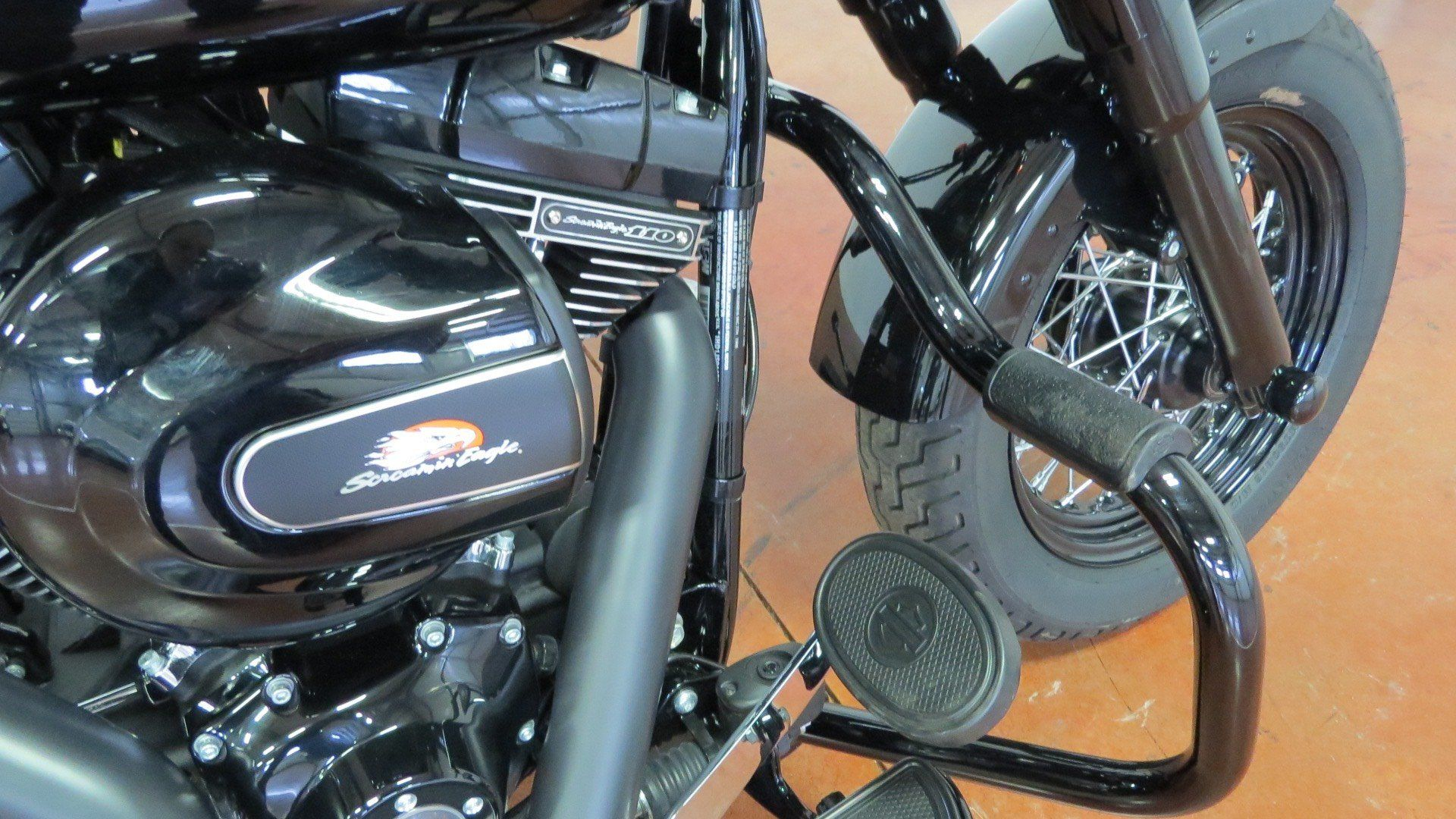 2016 Harley-Davidson Softail Slim® S in Sunbury, Ohio - Photo 10