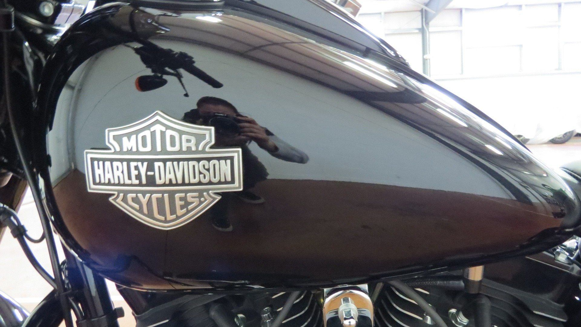 2016 Harley-Davidson Softail Slim® S in Sunbury, Ohio - Photo 13