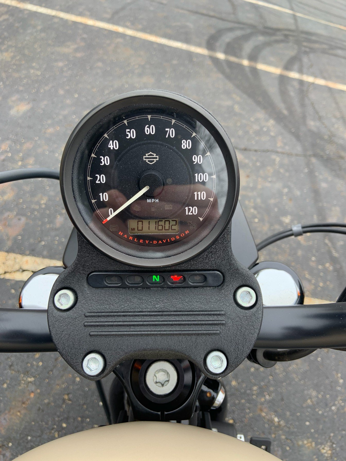 2014 Harley-Davidson Sportster® Iron 883™ in Sunbury, Ohio - Photo 24