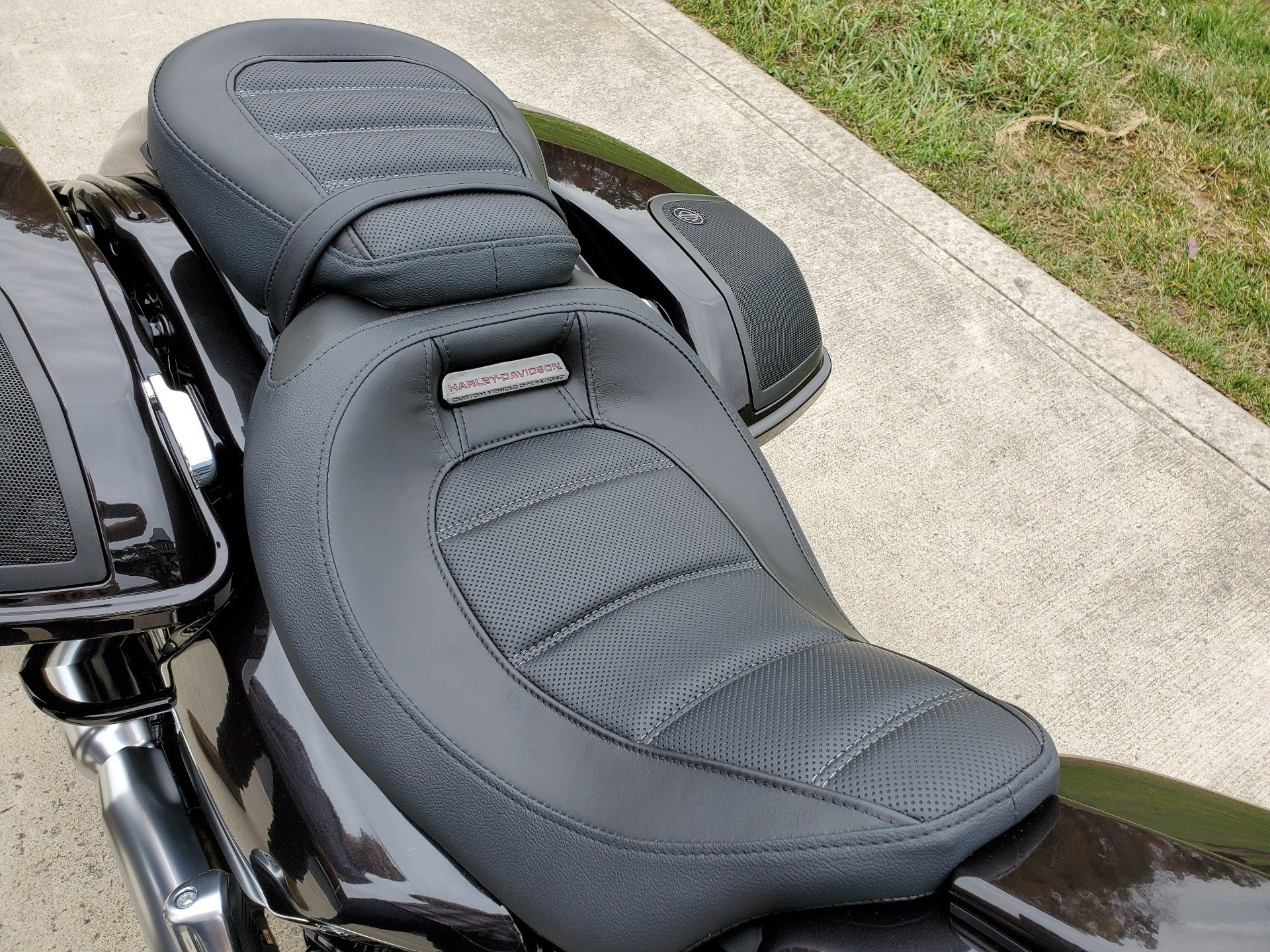 2020 Harley-Davidson CVO™ Street Glide® in Sunbury, Ohio - Photo 15