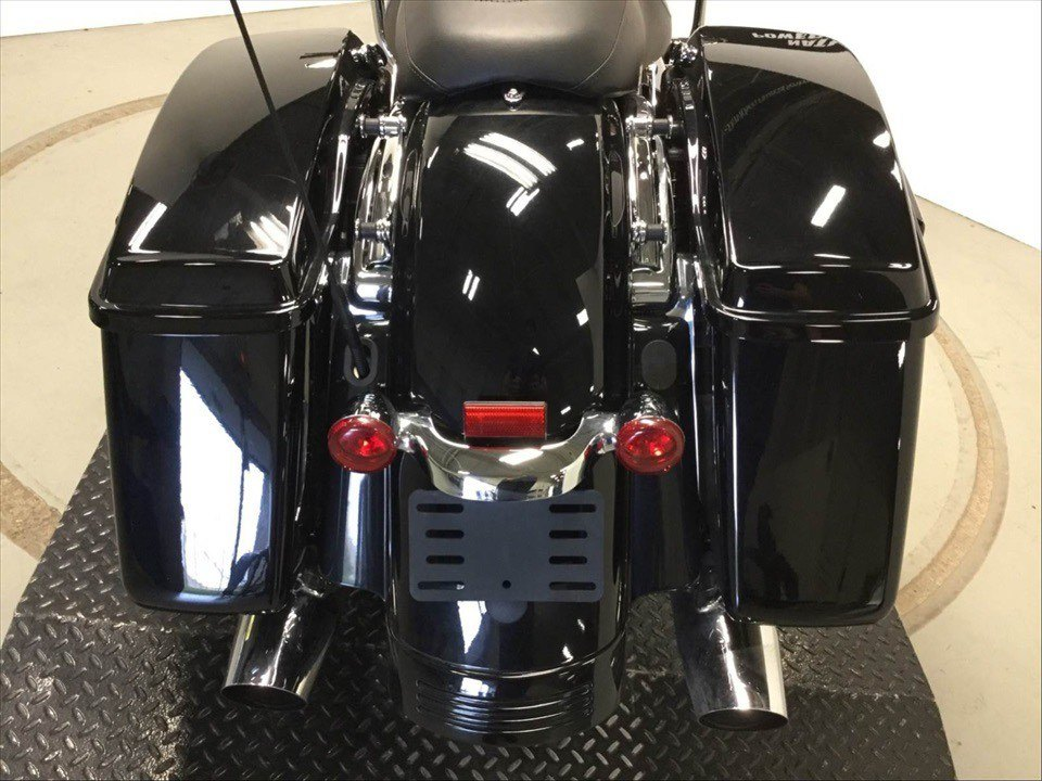 2017 Harley-Davidson Road Glide® Special in Sunbury, Ohio - Photo 10