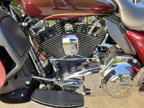 2015 Harley-Davidson Tri Glide® Ultra in Sunbury, Ohio - Photo 13