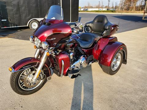 2015 Harley-Davidson Tri Glide® Ultra in Sunbury, Ohio - Photo 4