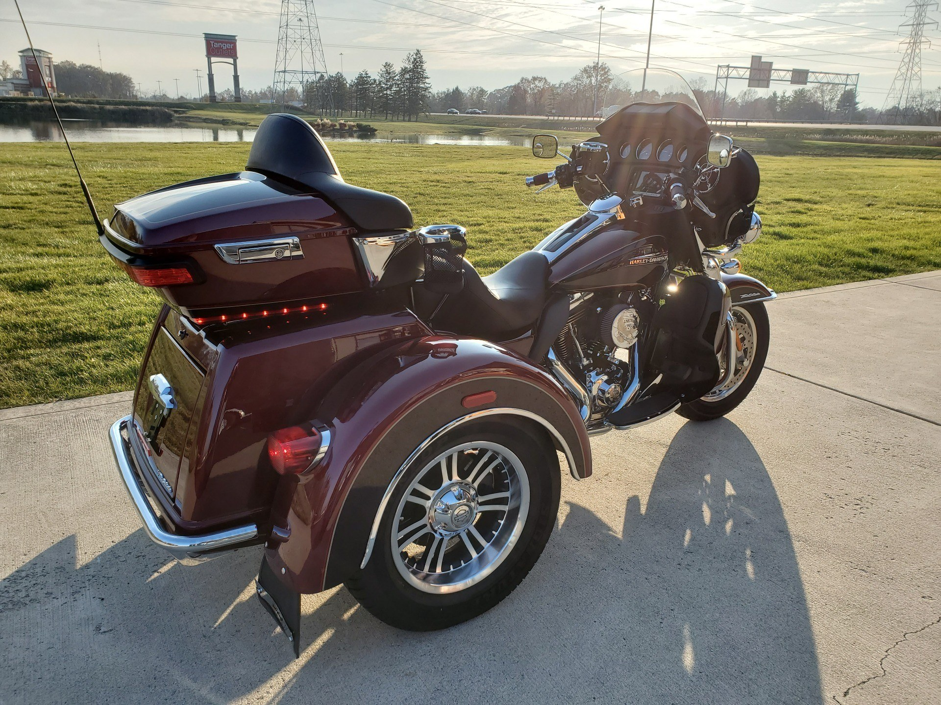 2015 Harley-Davidson Tri Glide® Ultra in Sunbury, Ohio - Photo 7
