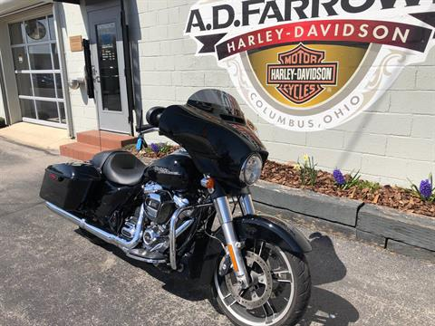 2016 Harley-Davidson Street Glide® Special in Sunbury, Ohio - Photo 5