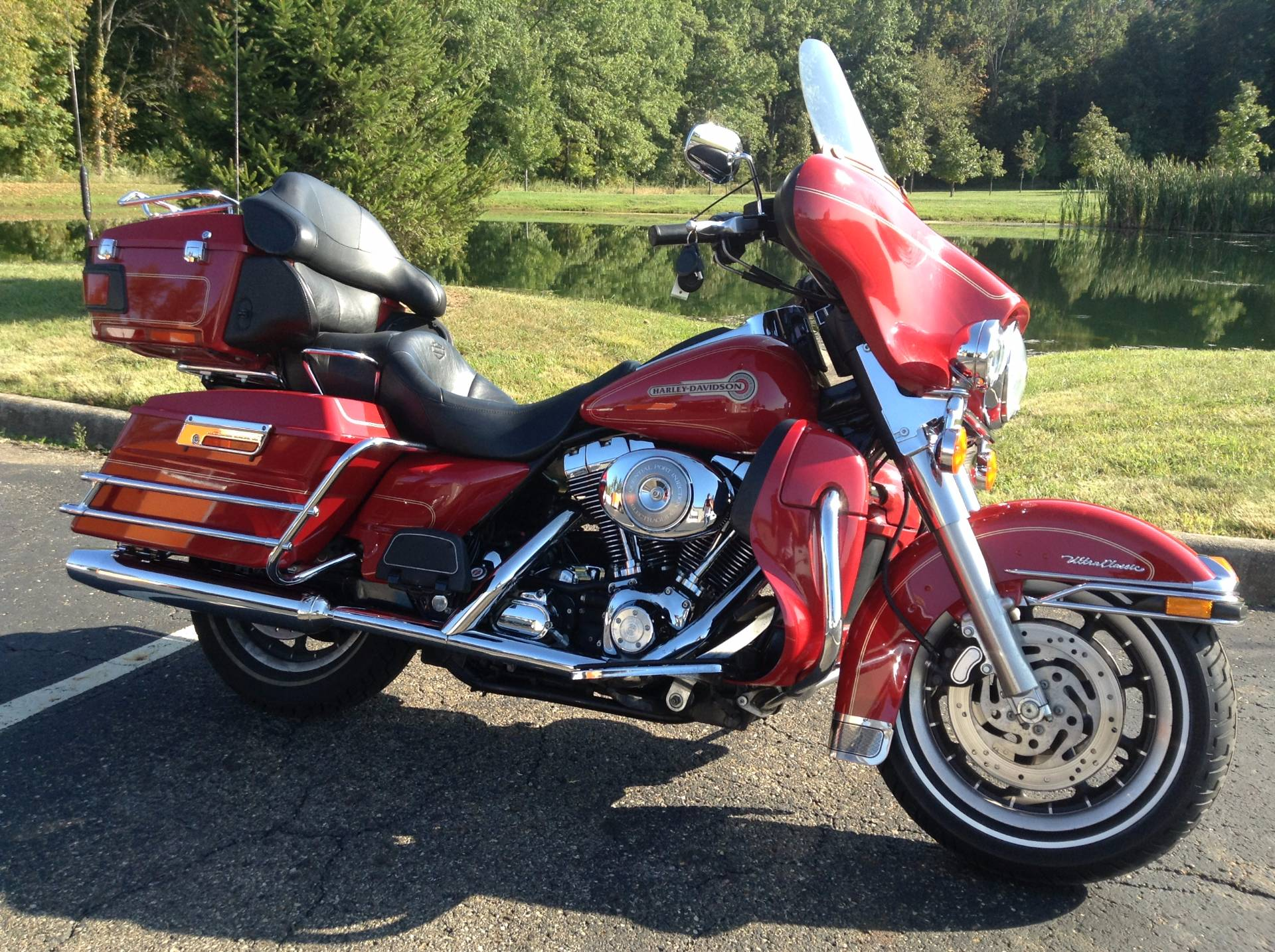 2005 Harley-Davidson FLHTCUI Ultra Classic® Electra Glide® Firefighter Special Edition in Sunbury, Ohio - Photo 8