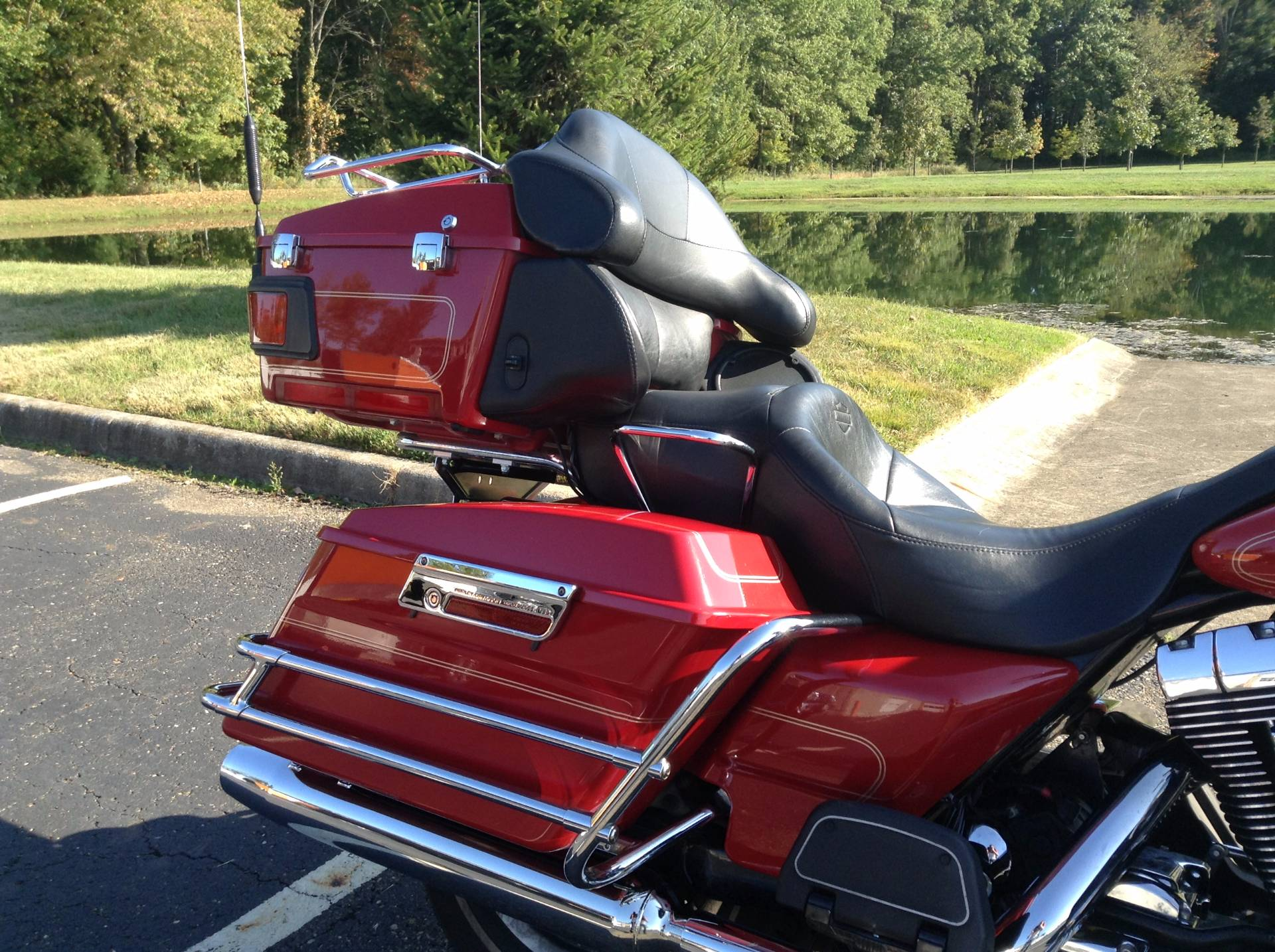 2005 Harley-Davidson FLHTCUI Ultra Classic® Electra Glide® Firefighter Special Edition in Sunbury, Ohio - Photo 10