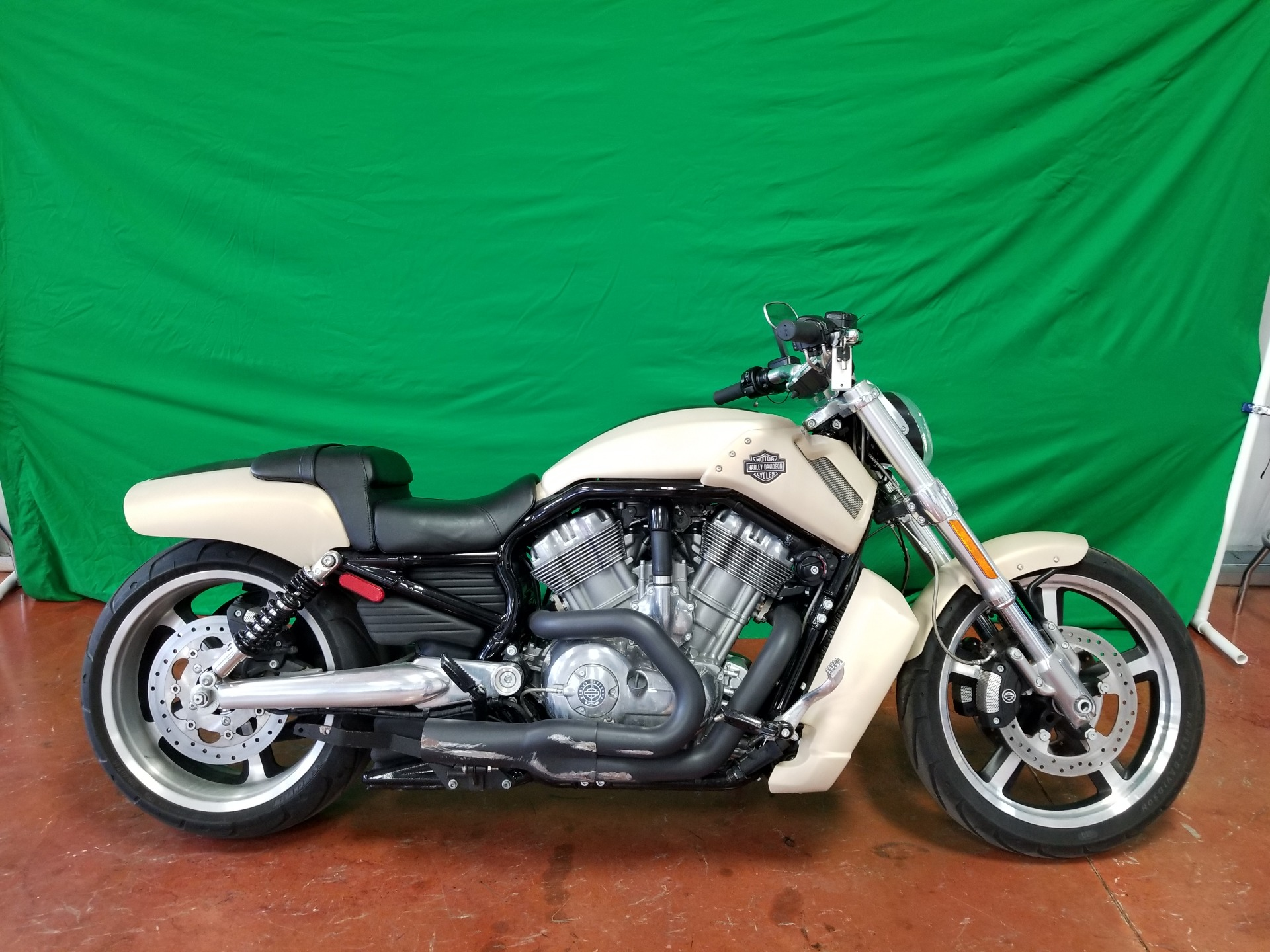 2015 Harley-Davidson V-Rod Muscle® in Sunbury, Ohio - Photo 21