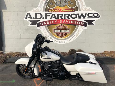2018 Harley-Davidson FLTRXS in Sunbury, Ohio - Photo 3