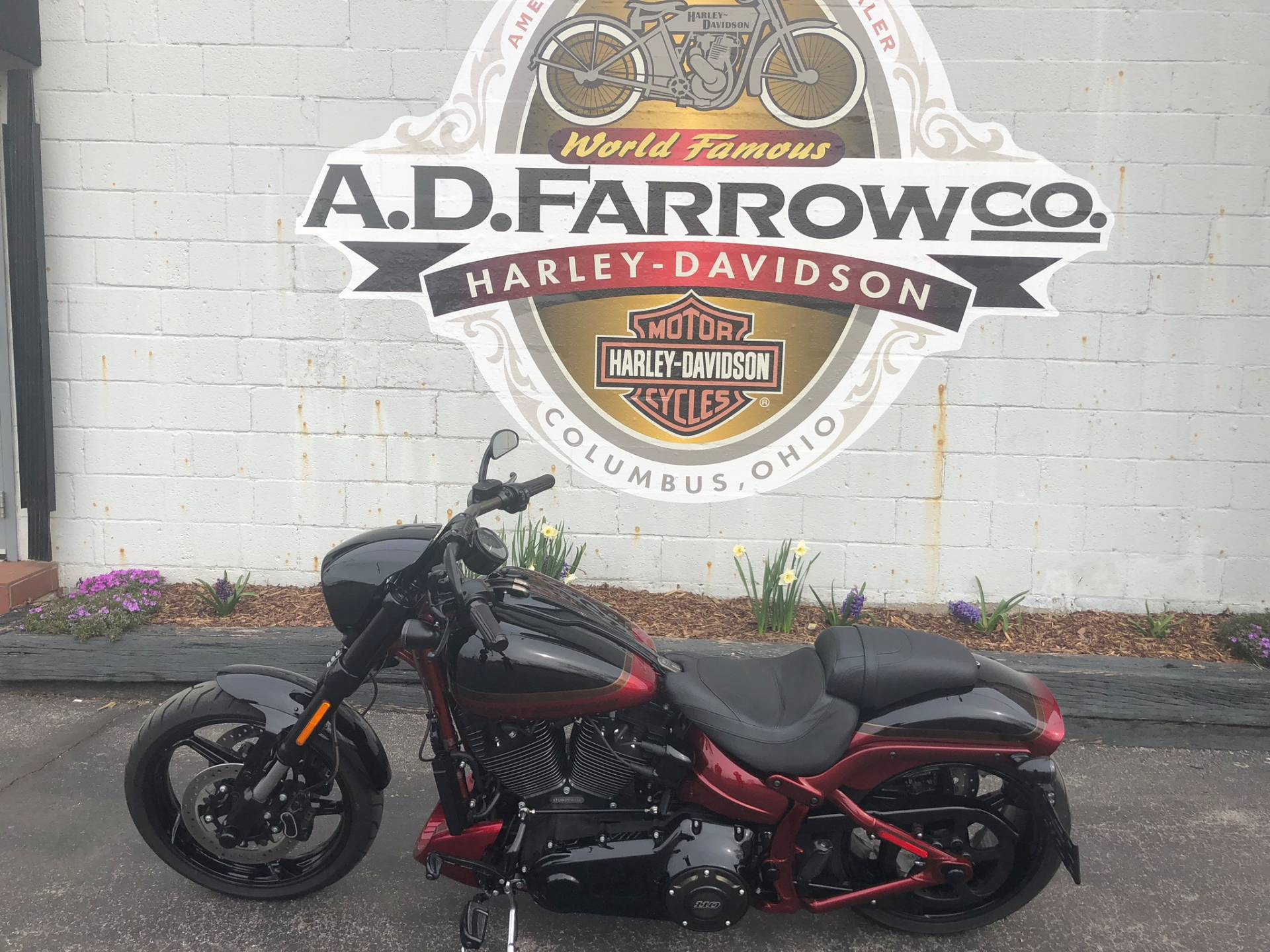 2017 Harley-Davidson CVO™ Pro Street Breakout® in Sunbury, Ohio - Photo 4