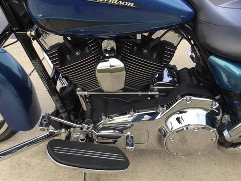 2014 Harley-Davidson Street Glide in Sunbury, Ohio - Photo 6