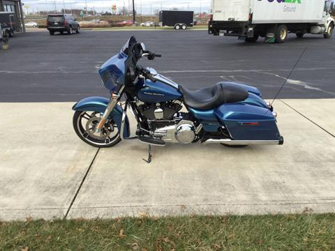 2014 Harley-Davidson Street Glide in Sunbury, Ohio - Photo 4