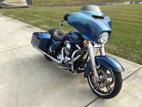 2014 Harley-Davidson Street Glide in Sunbury, Ohio - Photo 20