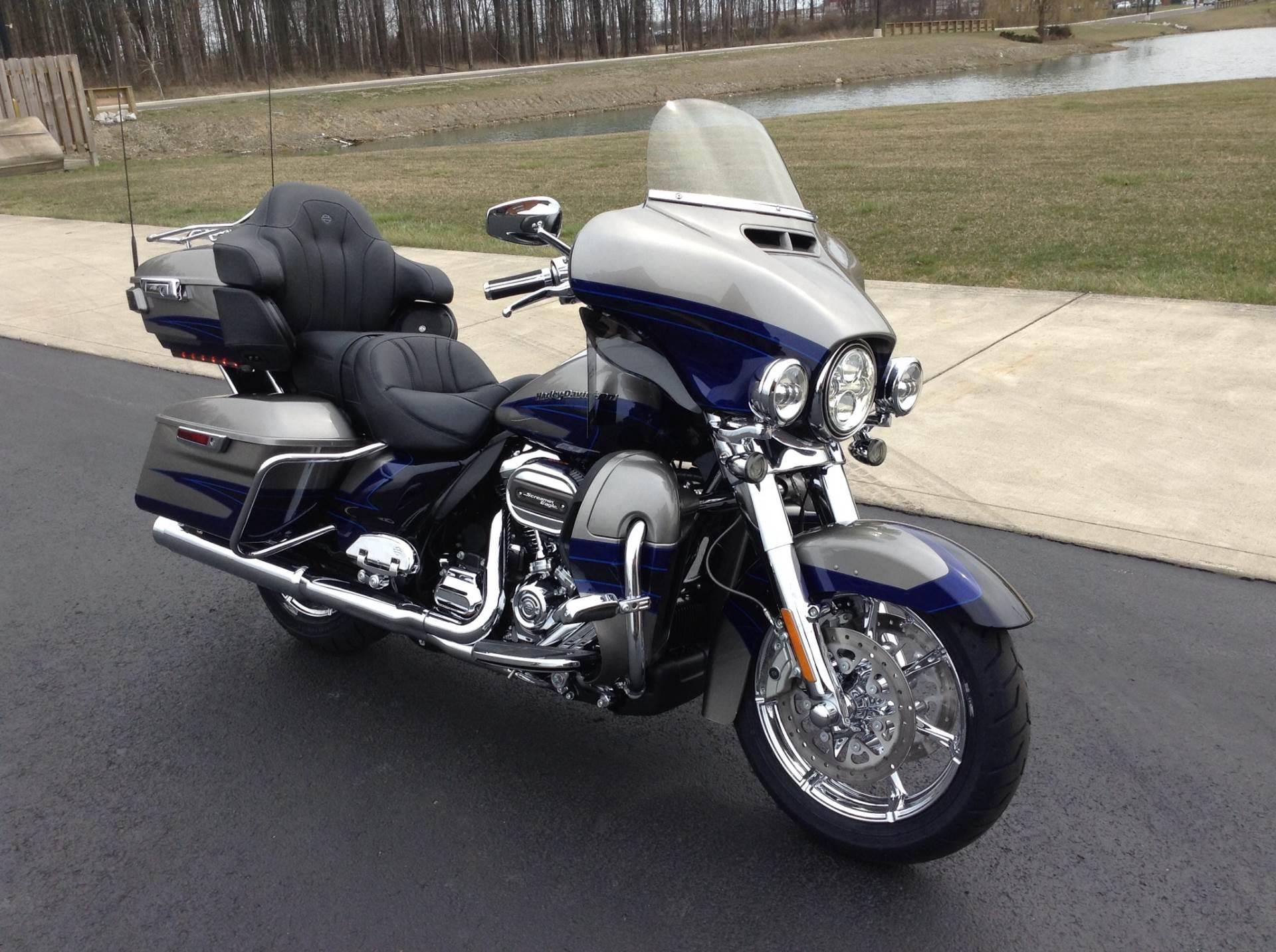 2017 Harley-Davidson CVO™ Limited® in Sunbury, Ohio