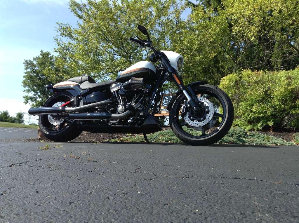2016 Harley-Davidson CVO™ Pro Street Breakout® in Sunbury, Ohio