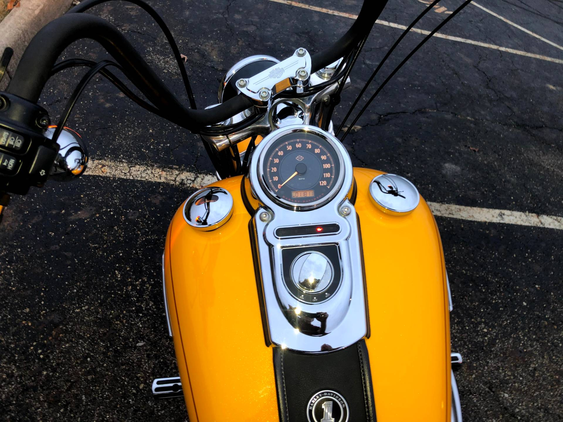2013 Harley-Davidson Dyna® Super Glide® Custom in Sunbury, Ohio - Photo 8