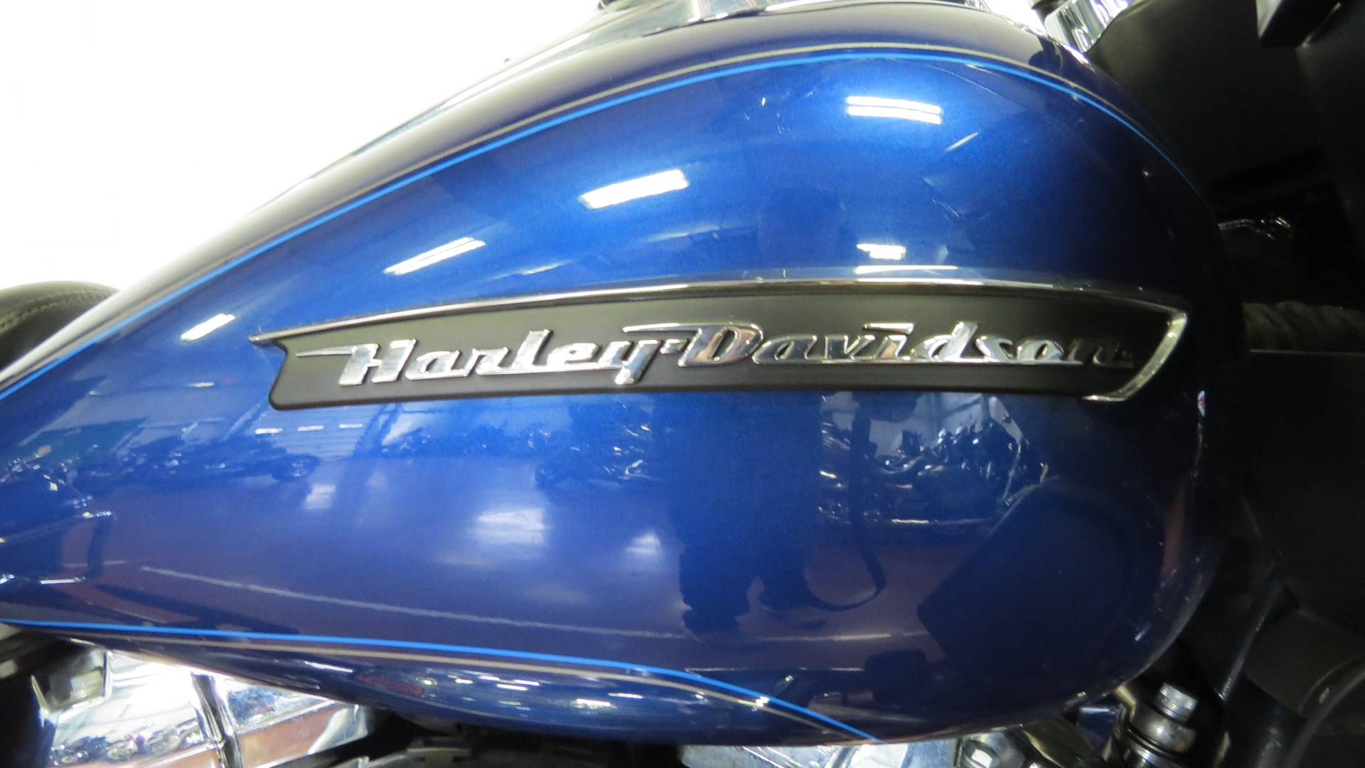 2016 Harley-Davidson Road Glide® Ultra in Sunbury, Ohio - Photo 2