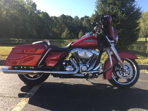 2012 Harley-Davidson Street Glide® in Sunbury, Ohio - Photo 19