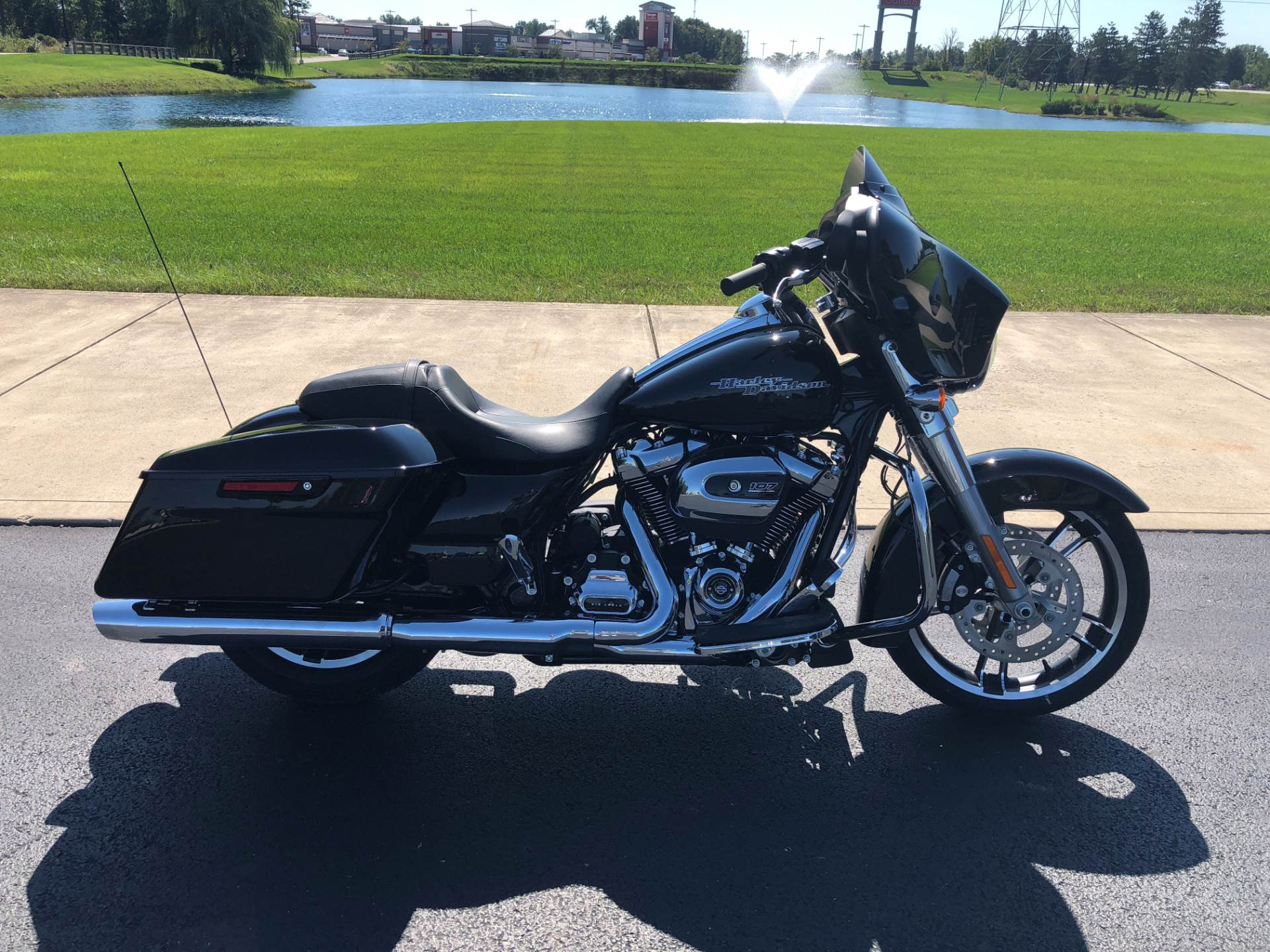 2019 Harley-Davidson Street Glide® in Sunbury, Ohio - Photo 12