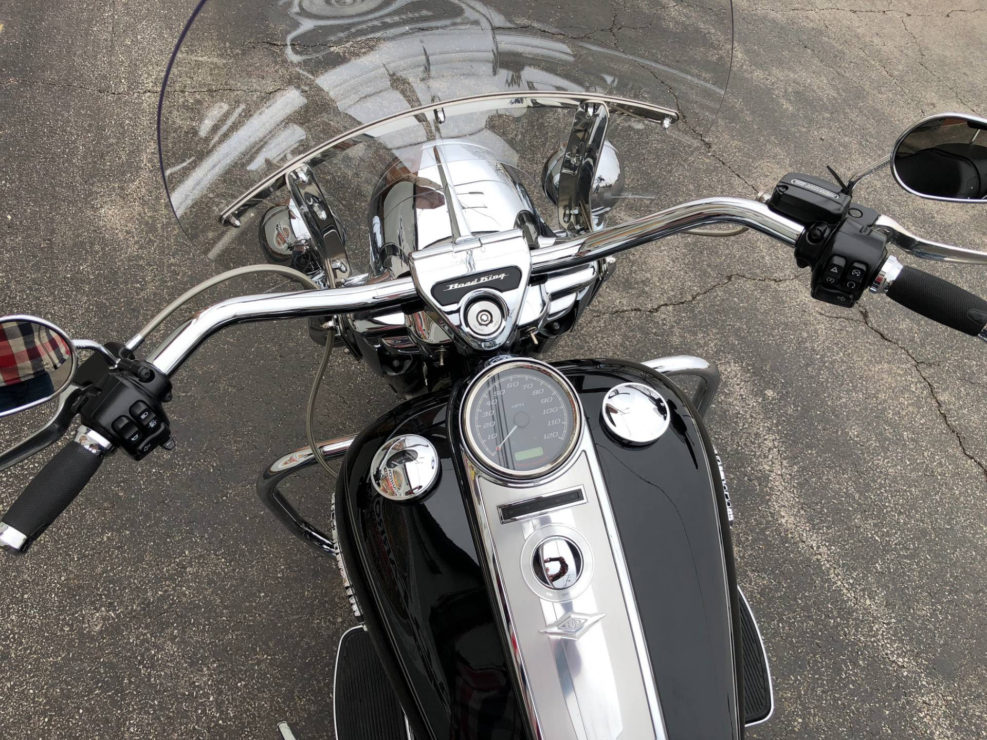 2015 Harley-Davidson Road King® in Sunbury, Ohio - Photo 7