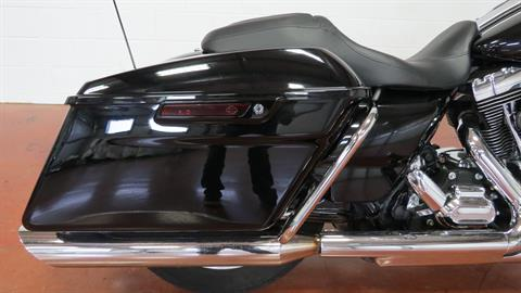 2015 Harley-Davidson Road Glide® in Sunbury, Ohio - Photo 6