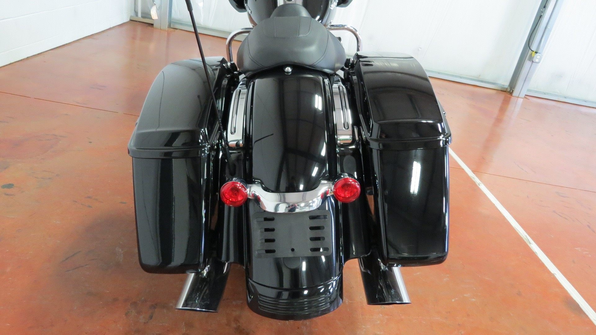 2015 Harley-Davidson Road Glide® in Sunbury, Ohio - Photo 7