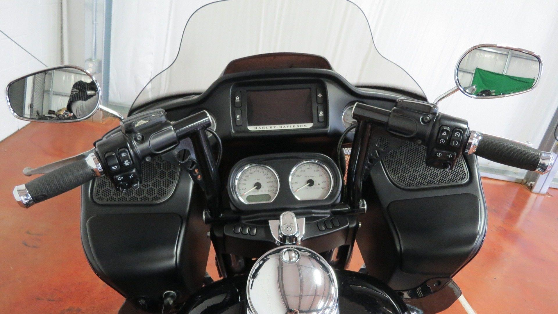 2015 Harley-Davidson Road Glide® in Sunbury, Ohio - Photo 21