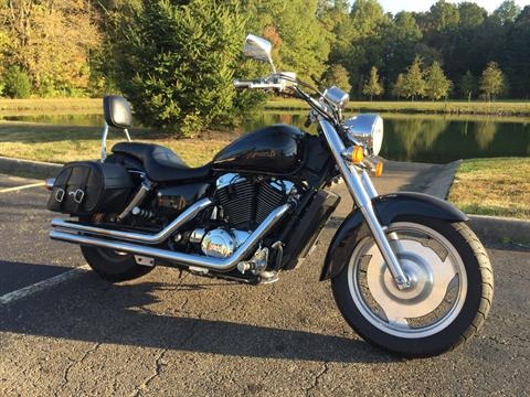 2004 Honda Shadow Spirit in Sunbury, Ohio - Photo 2