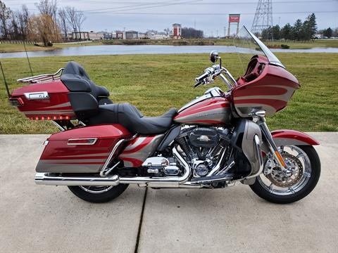 2016 Harley-Davidson CVO™ Road Glide™ Ultra in Sunbury, Ohio - Photo 1