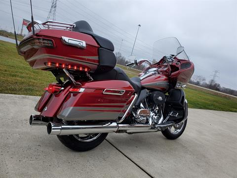 2016 Harley-Davidson CVO™ Road Glide™ Ultra in Sunbury, Ohio - Photo 9