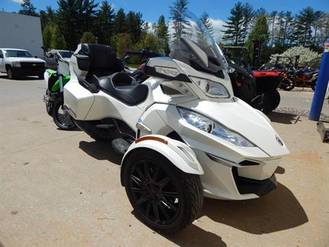 2017 Can-Am Spyder RT SE6 in Concord, New Hampshire