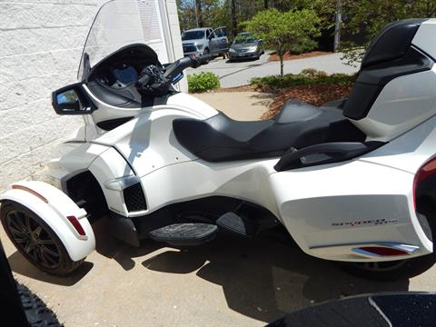 2017 Can-Am Spyder RT SE6 in Concord, New Hampshire - Photo 5