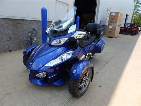 2012 Can-Am Spyder® RT-S SE5 in Concord, New Hampshire - Photo 1