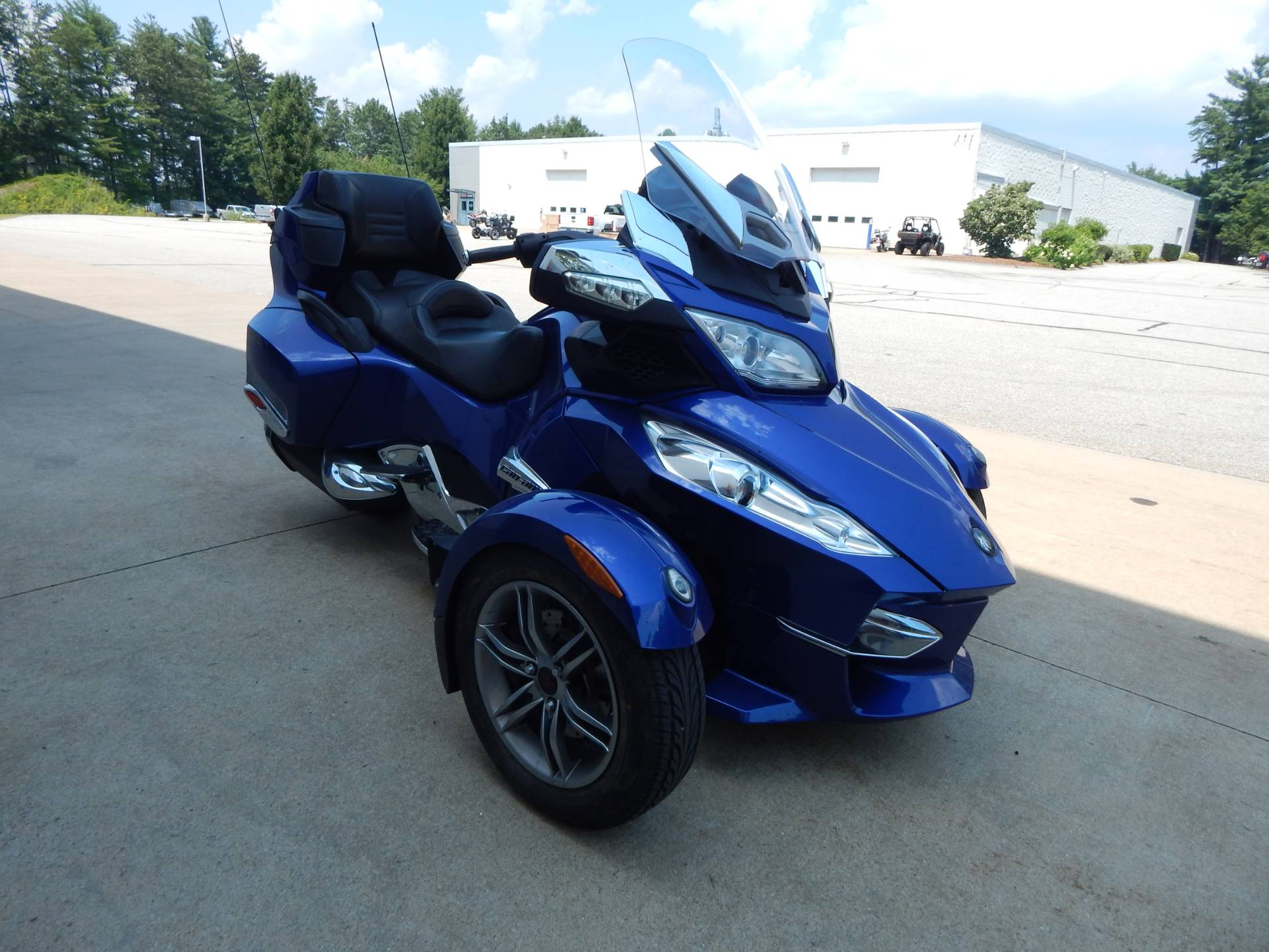 2012 Can-Am Spyder® RT-S SE5 in Concord, New Hampshire - Photo 7
