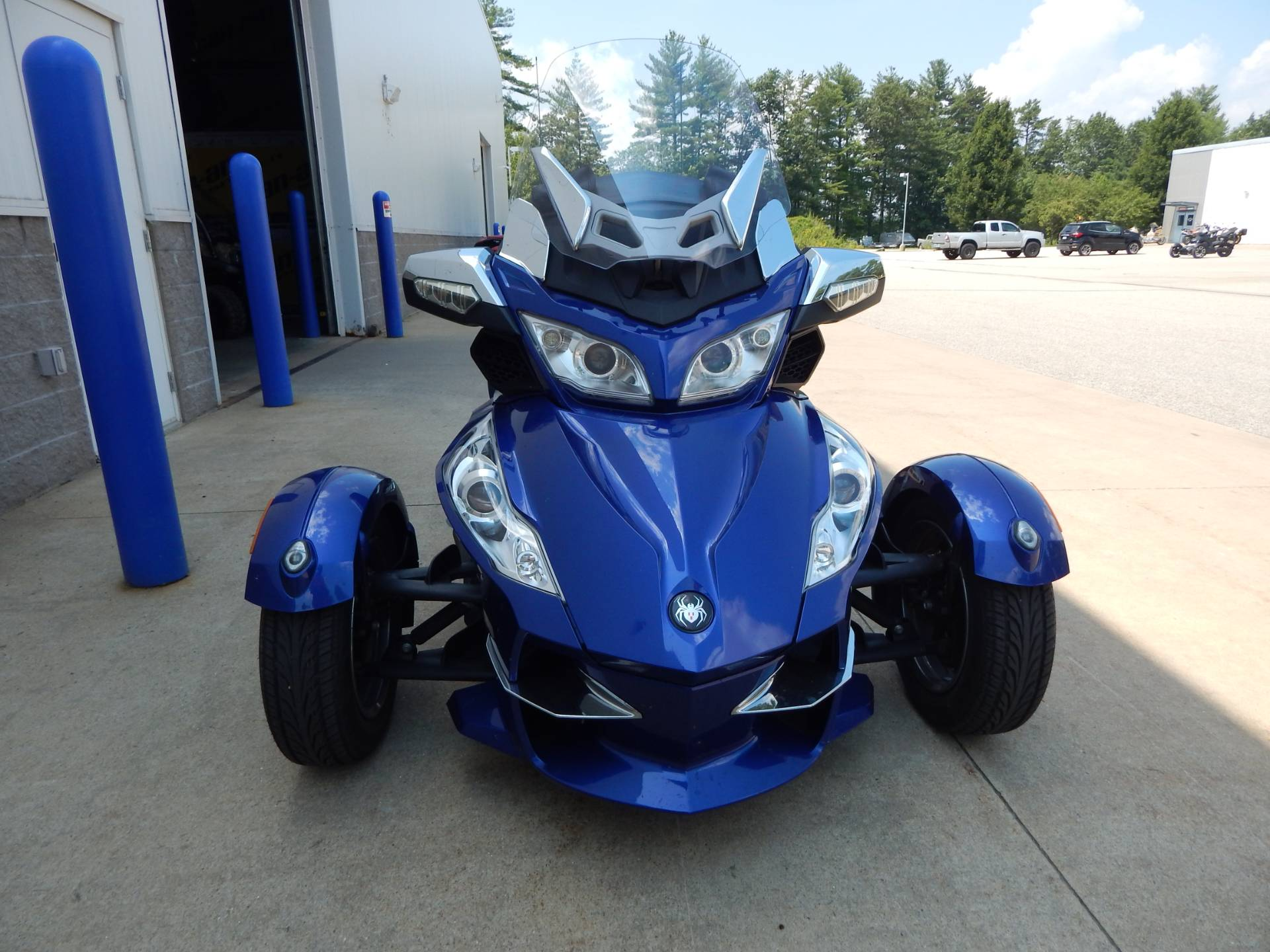 2012 Can-Am Spyder® RT-S SE5 in Concord, New Hampshire - Photo 8
