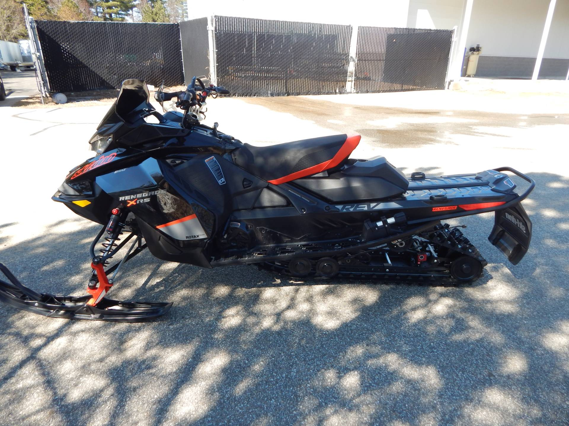 2020 Ski-Doo Renegade X-RS 850 E-Tec in Concord, New Hampshire - Photo 6
