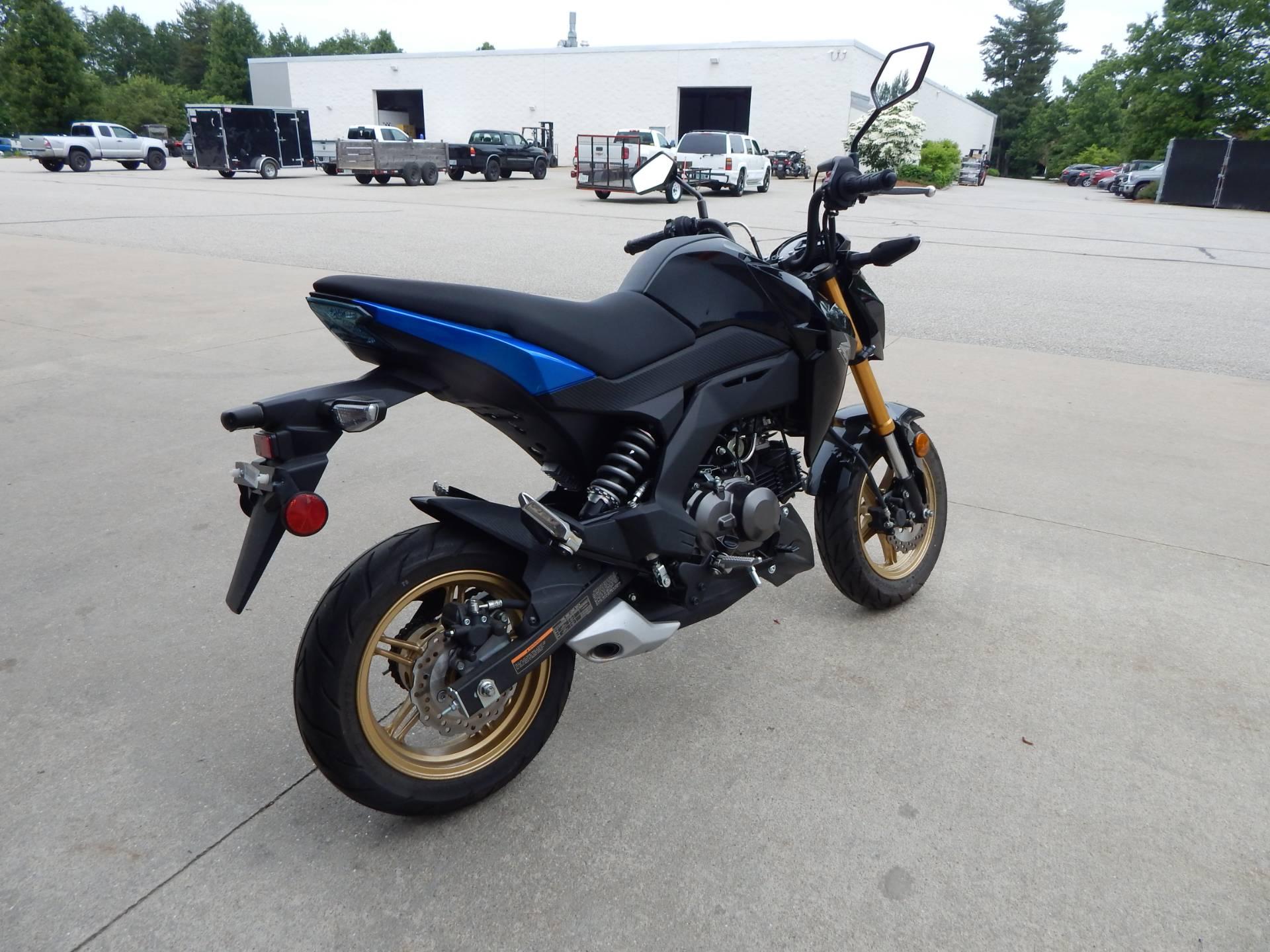 2018 Kawasaki Z125 Pro SE in Concord, New Hampshire