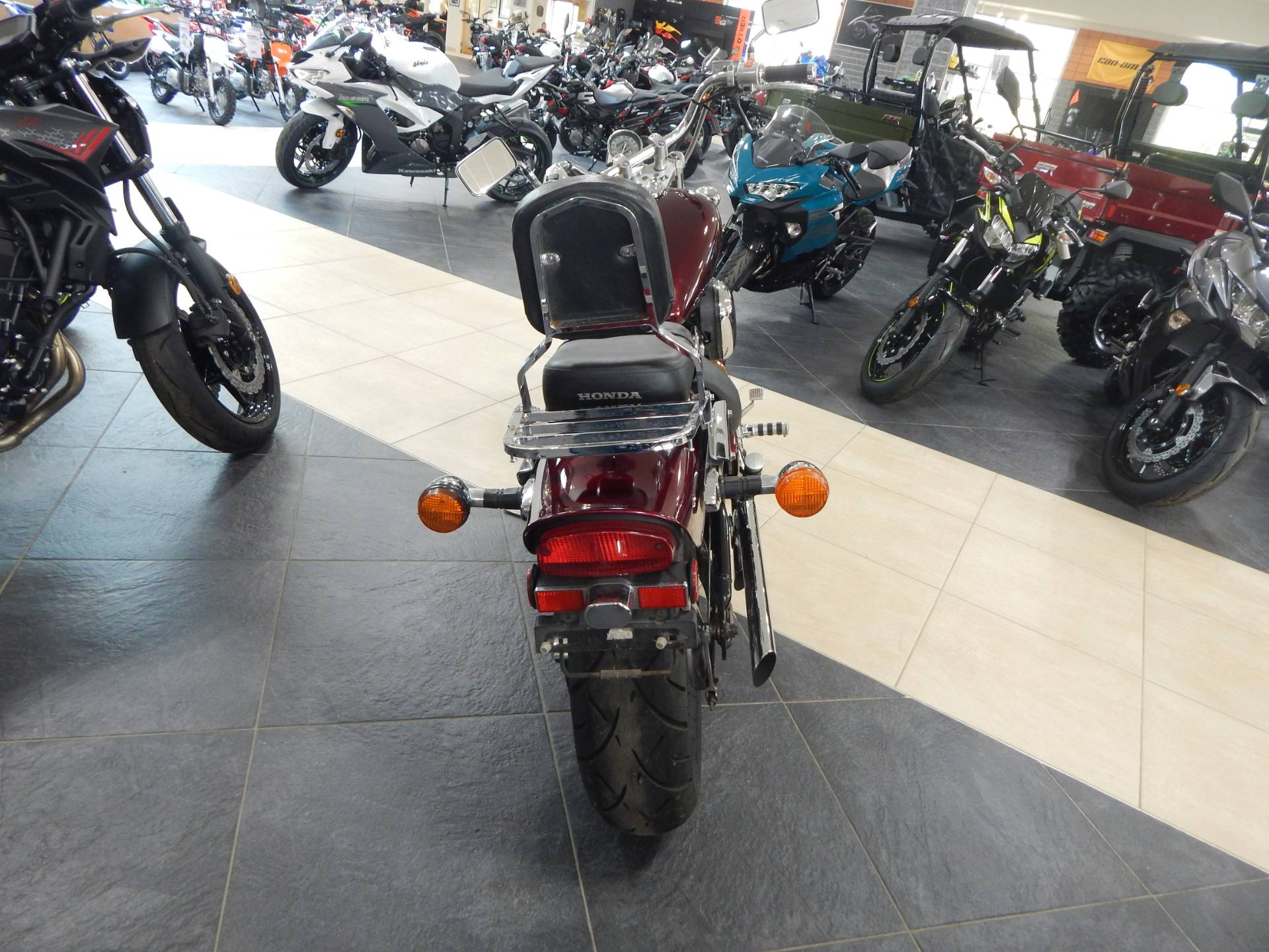 2004 Honda Shadow VLX Deluxe in Concord, New Hampshire - Photo 7
