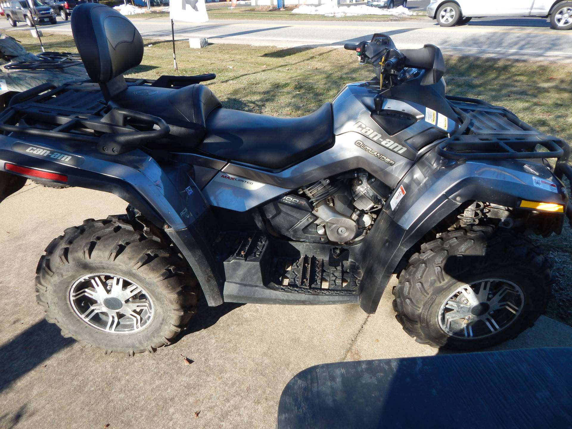 2012 Can-Am Outlander™ MAX 800R XT in Concord, New Hampshire