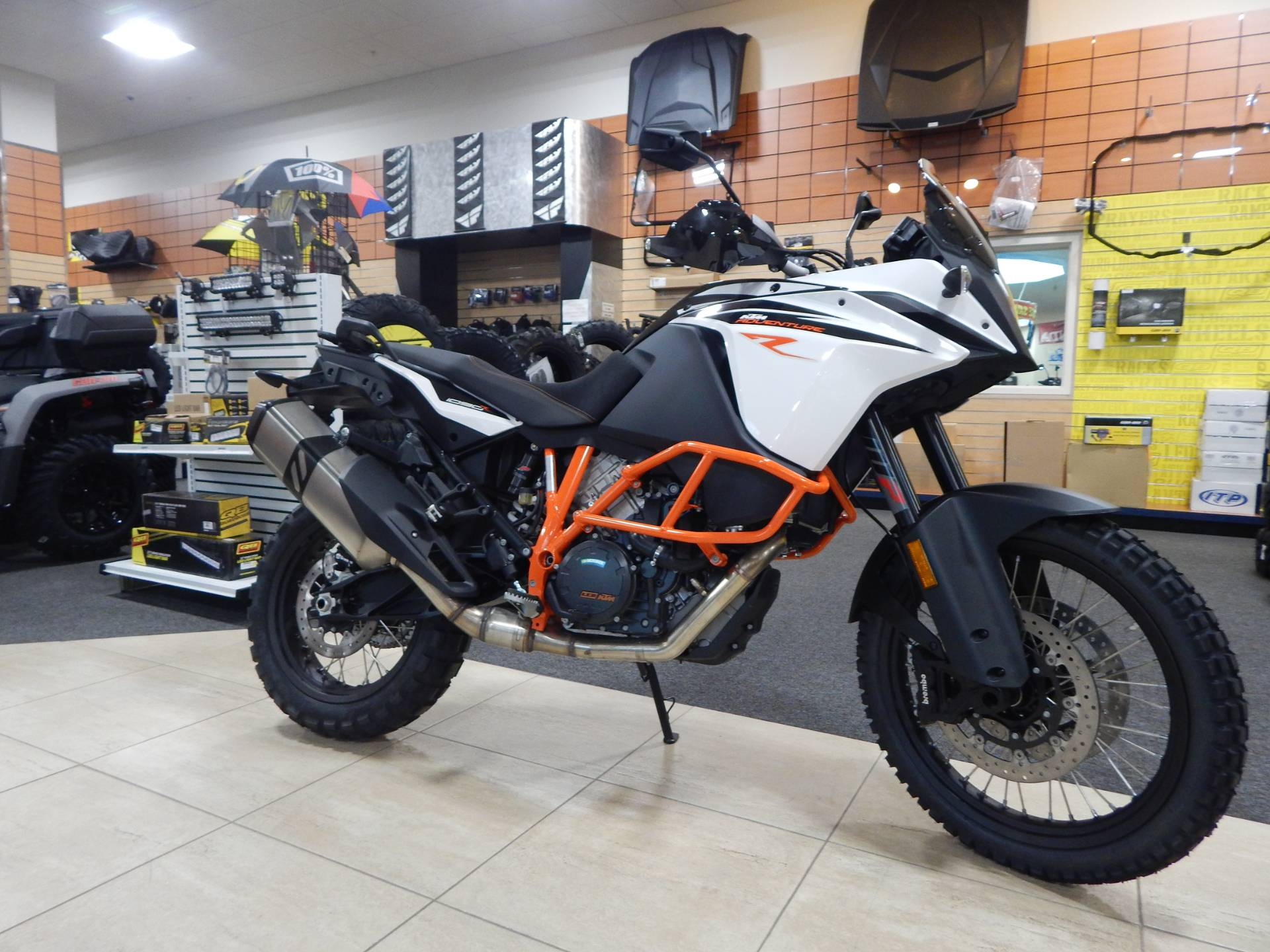 new 2018 ktm 1090 adventure r motorcycles in concord nh. Black Bedroom Furniture Sets. Home Design Ideas
