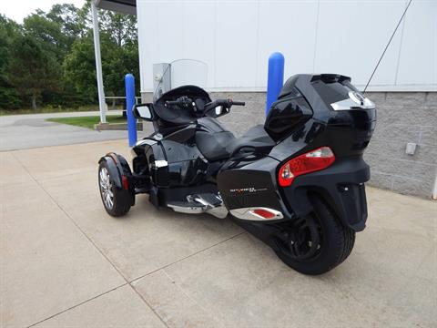 2015 Can-Am Spyder® RT Limited in Concord, New Hampshire - Photo 3
