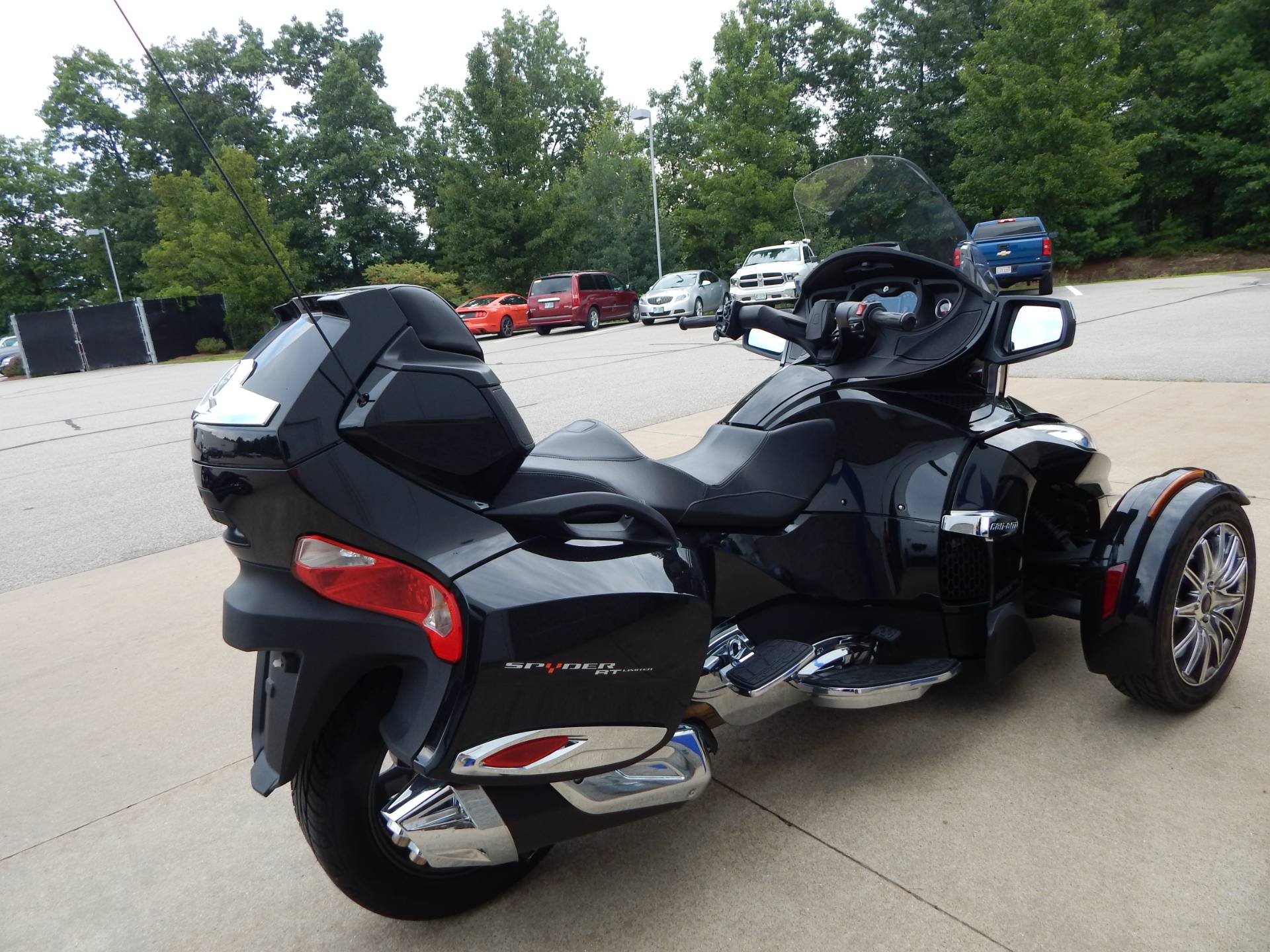 2015 Can-Am Spyder® RT Limited in Concord, New Hampshire - Photo 4