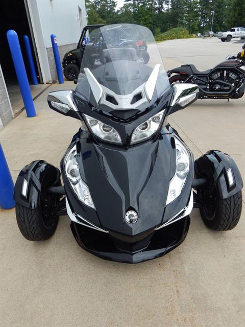 2015 Can-Am Spyder® RT Limited in Concord, New Hampshire - Photo 6