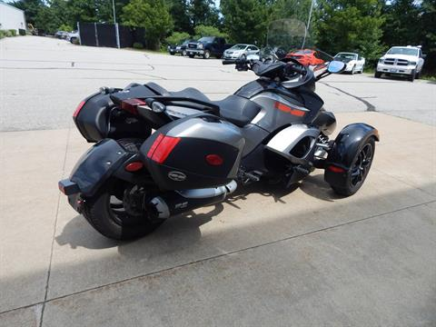 2011 Can-Am Spyder® RS SE5 in Concord, New Hampshire - Photo 5