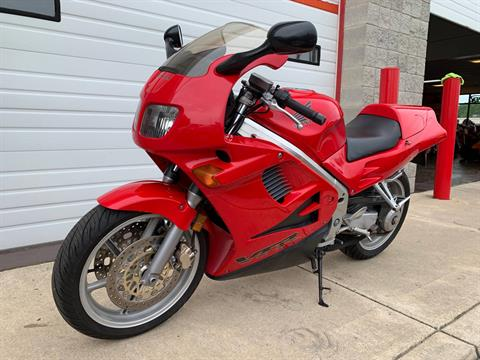 1996 Honda VFR750F in Monroe, Michigan - Photo 11