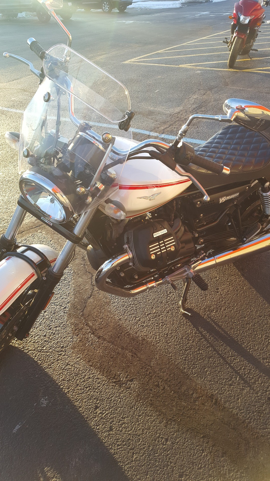 2017 Moto Guzzi V9 Roamer in Monroe, Michigan - Photo 5