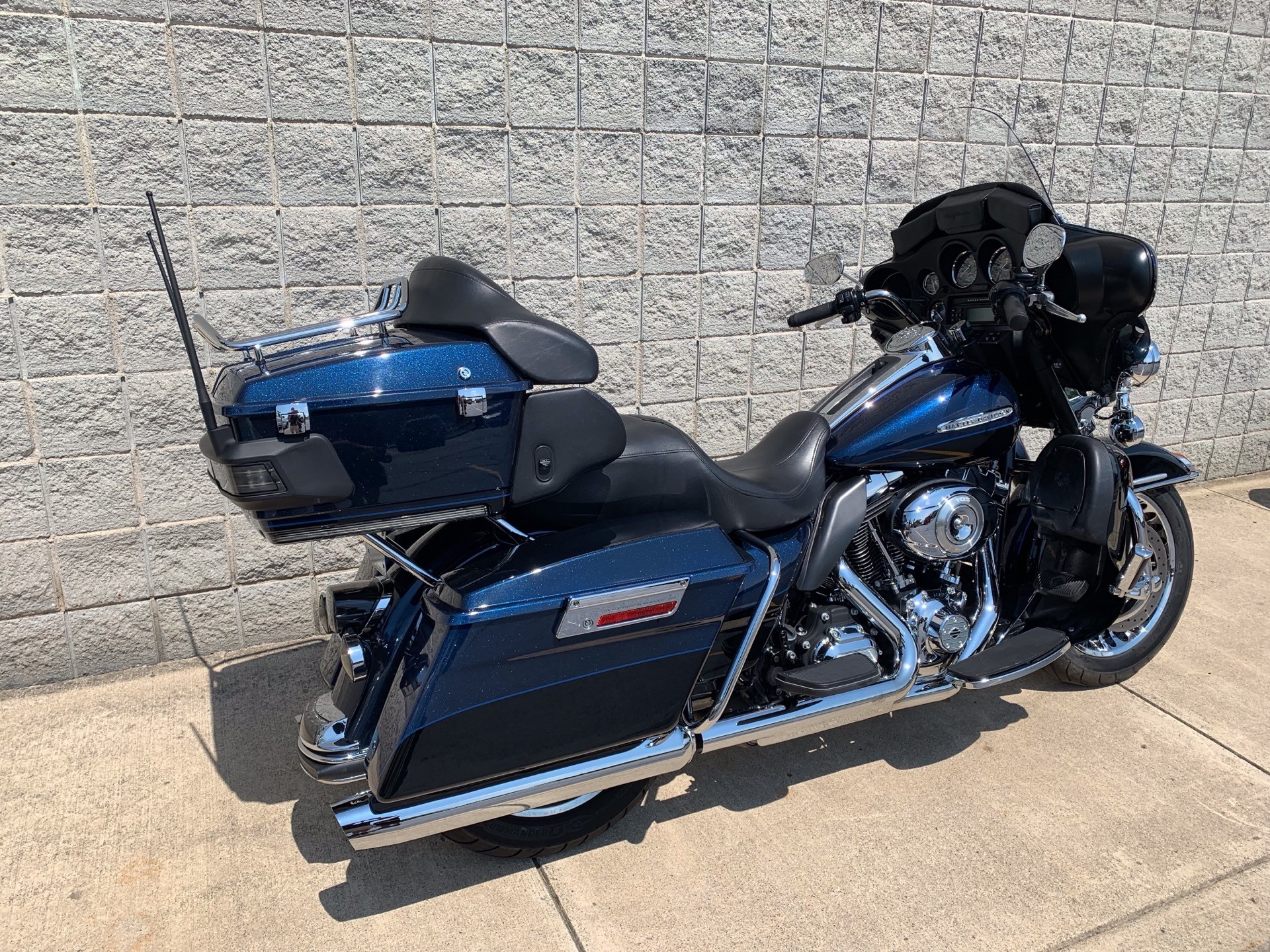 2012 Harley-Davidson Electra Glide® Ultra Limited in Monroe, Michigan - Photo 2