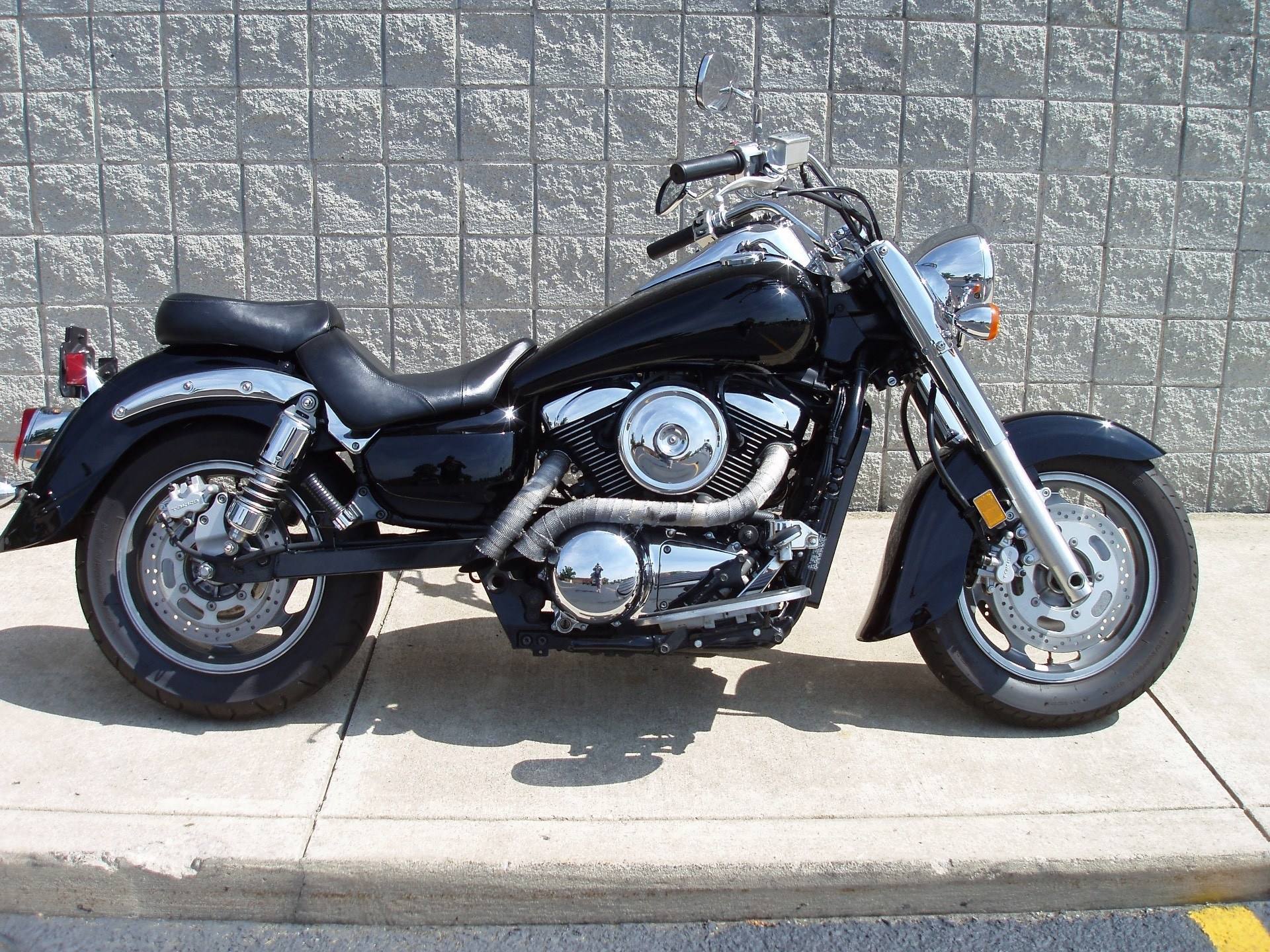 2005 Kawasaki Vulcan® 1600 Classic in Monroe, Michigan
