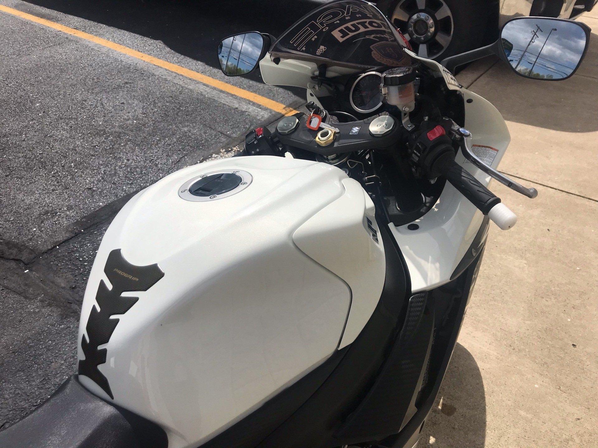 2011 Suzuki GSX-R600 10